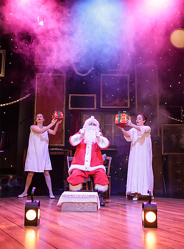 THE NIGHT BEFORE CHRISTMAS at Salisbury Playhouse - credit Paul Blakemore