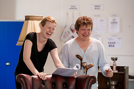 LOVE ON THE LINKS in rehearsals. Photo Barbara Leatham