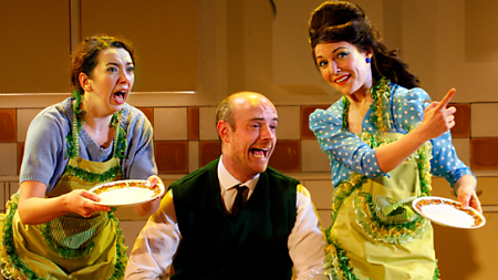 (L-R) Lizzy Muncey as Mum, Jake Ferretti as Josh, Marie Lawrence as Joan (c) Simon Annand