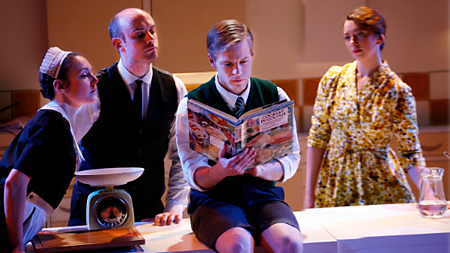 (L-R) Marie Lawrence as Joan, Jake Ferretti as Josh, Giles Cooper as Nigel Slater, Lizzy Muncey as Mum (c) Simon Annand
